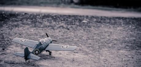 model-aircraft-384868_1920